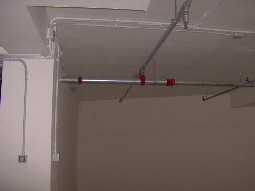 Tubazioni a copertura Impianto sprinkler